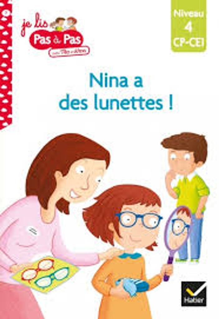 Nina a des lunettes...  